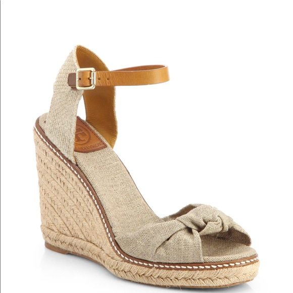 918823456a5a TORY BURCH Knotted Bow Wedge Espadrille Sandals 9.  M 5b1fefcd34a4ef3adca5f4a5